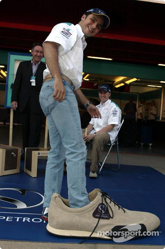 Sociedad entre Sauber y Ammann de Suiza: Felipe Massa tiene unos zapatos muy grandes que llenar