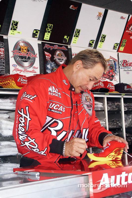 Kenny Bernstein signs autographs at souvenir trailer