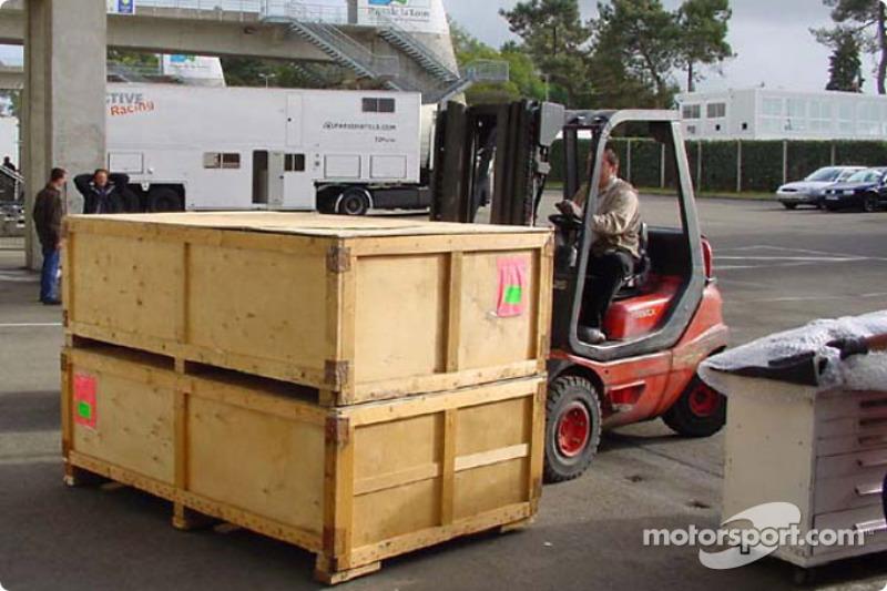 Panoz Motor Sports alistándose para la pre-clasificación