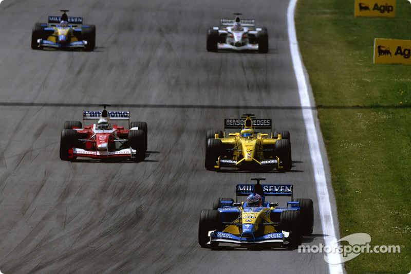 Jarno Trulli ahead of Giancarlo Fisichella and Allan McNish