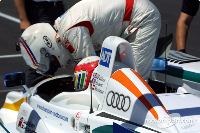 Andy Wallace hands over to Tom Kristensen