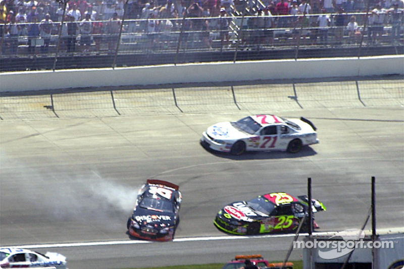 Todd Bodine and Joe Nemechek get tangled