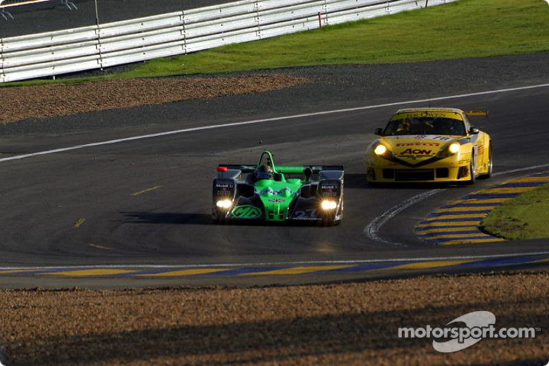 MG-Lola EX257 de MG Sport & Racing  y el Porsche GT3 R de PK Sport