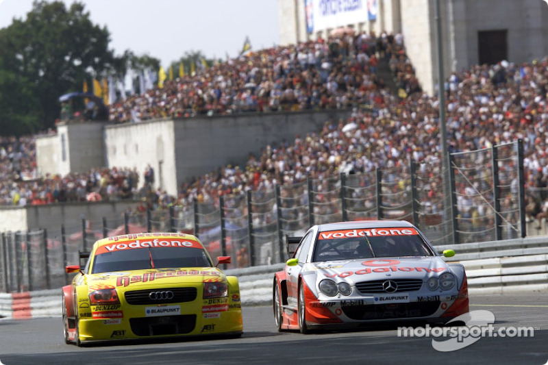 Bernd Schneider and Laurent Aiello fighting for the lead