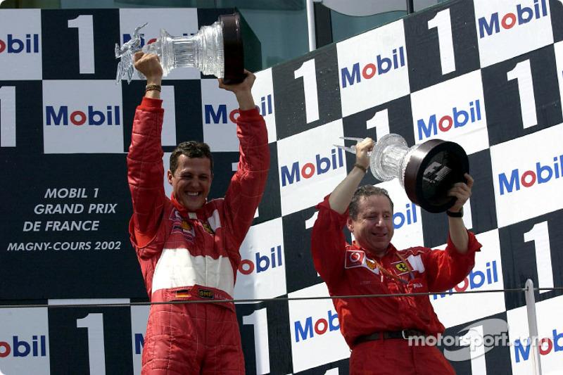 100% podium record in a season : 2002
