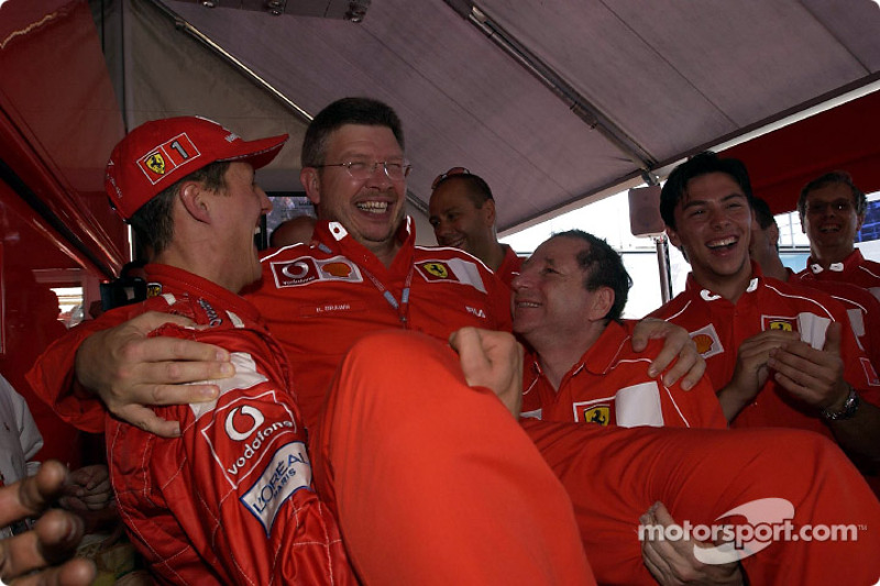 Святкування у боксах Ferrari