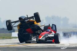 L'accident entre Alex Figge et Roger Yasukawa