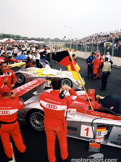 Team Audi on the grid