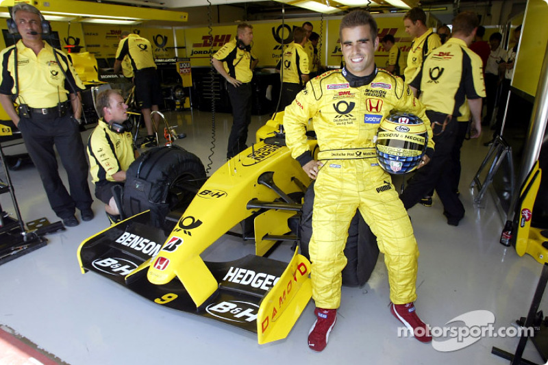 Hungarian driver Zsolt Baumgartner did a couple of guest laps in the Jordan EJ12