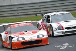 GT500 passes GT300