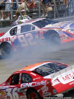 Todd Bodine crashes