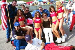 Gunnar Jeannette with the Hawaiian Tropic girls