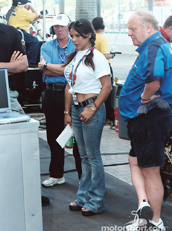 Milka Duno checks out the monitor