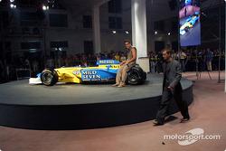 Fiesta de medios Spoon/Mild Seven RenaultF1: Fernando Alonso y Jarno Trulli