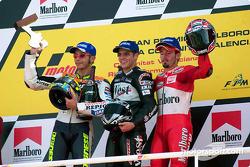 Podium: 1. Alex Barros, 2. Valentino Rossi, 3. Max Biaggi