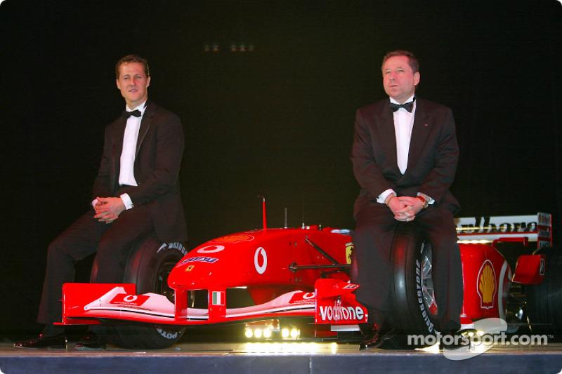 Michael Schumacher (1ro) y Jean Todt (Equipo)