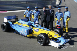 Jarno Trulli, Fernando Alonso, Allan McNish, Franck Montagny, Flavio Briatore and Patrick Faure with the new Renault F1 R23
