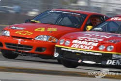 #48 WTF Engineering Chevrolet Cavalier Z-24: Edward Magner, Caroline Wright and #42 HRPworld.com Acura Integra LS: Mark Swain, Harold Linville