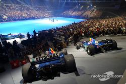 La nouvelle Sauber Petronas C22 sur scène