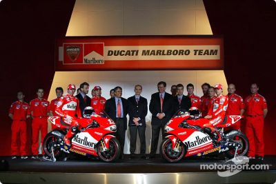 Présentation du Ducati Marlboro Team à Milan