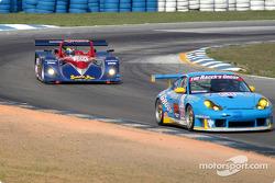#68 The Racers Group Porsche GT3 RS: Chris Gleason, Marc Bunting, Allan Ziegelman, ahead of Clint Field