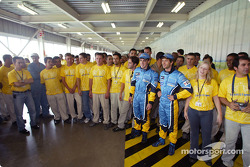 Visit of the Ayrton Senna Renault Factory in Curitiba: Fernando Alonso and Jarno Trulli with employees