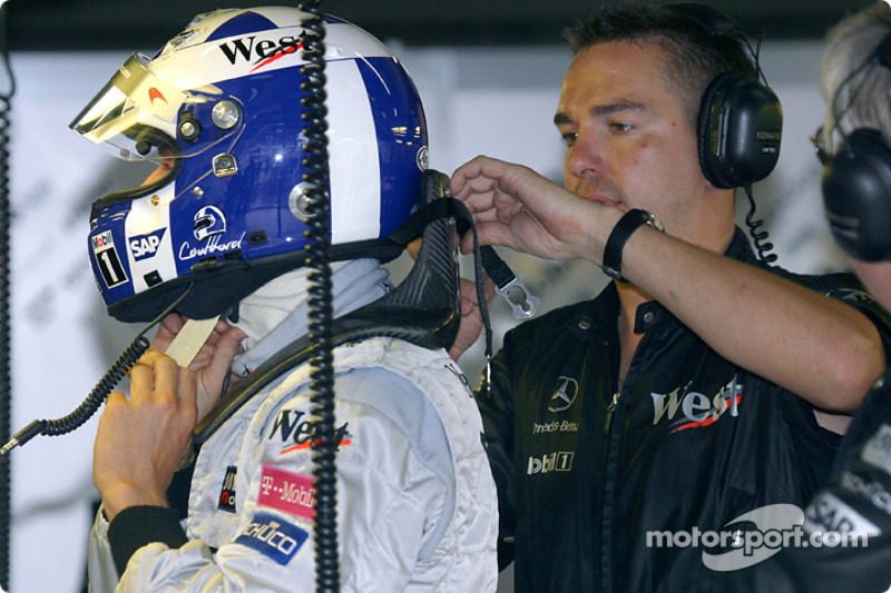 David Coulthard gets ready