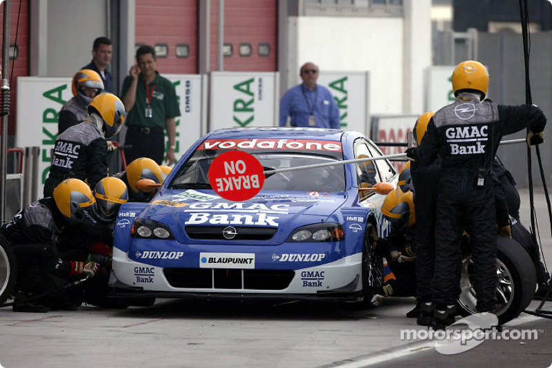 Pitstop practice for Alain Menu
