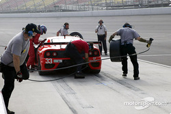 The #33 Ferrari of Washington team practices a pitstop.