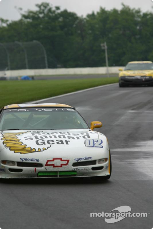 la Corvette Z06 n°02 de l'équipe Powell Motorsport pilotée par Mike Weinberg, Jeff Altenburg