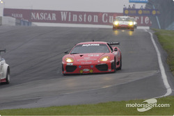 #33 Scuderia Ferrari-360GT into turn one