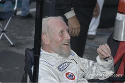 Paul Newman updates team on his run