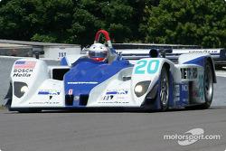 la Lola EX257/AER MG n°20 de l'équipe Dyson Racing Team pilotée par Chris Dyson, Andy Wallace