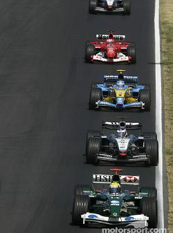 Mark Webber ahead of Kimi Raikkonen