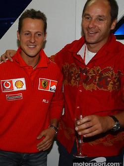 Fiesta de retiro del Director de BMW Motorsport Gerhard Berger: Michael Schumacher y Gerhard Berger
