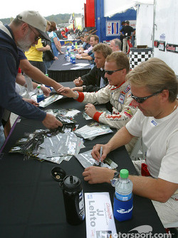 Autograph session: Johnny Herbert and JJ Lehto
