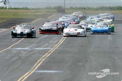 Start: Scott Pruett takes the lead