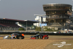 #48 Olivier Baron Porsche GT3-RS, and #40 Seikel Motorsport Porsche GT3-RS: Gabrio Rosa, Johnny Mowlem, Alex Caffi