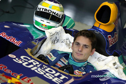 Seat fitting for Giancarlo Fisichella at Hinwil