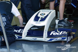The new innovative front wing of the WilliamsF1 BMW FW26