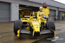 Eddie Jordan and Nick Heidfeld with the new Jordan EJ14