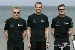 Présentation McLaren sur une plage près de Melbourne : Kimi Raikkonen, Alexander Wurz et David Coulthard