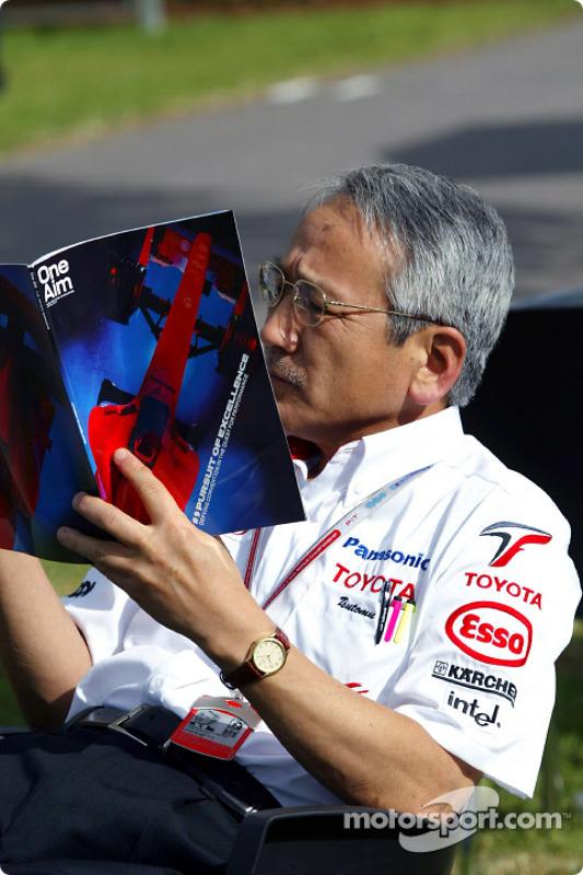 Le Team Principal de Toyota Tsutomu Tomita