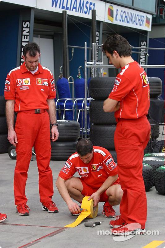 L'installation Ferrari dans la pitlane