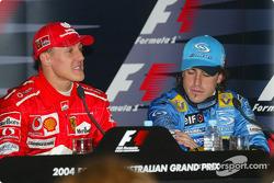 Kazanans basın toplantısı: Rubens Barrichello ve Fernando Alonso