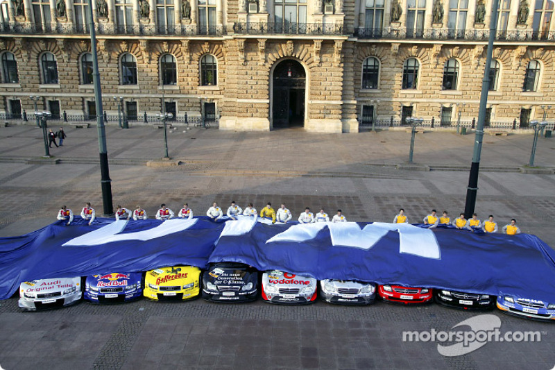 The 2004 DTM drivers unveil their cars