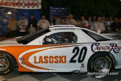 Danny Lasoski arrive dans la Victory Lane