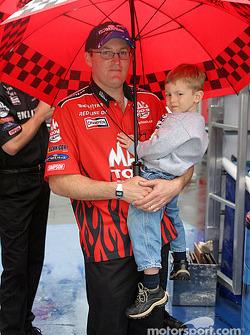 Doug Kalitta and his young son
