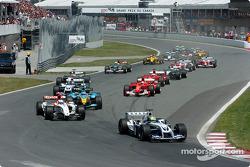 Start: Ralf Schumacher leads the field