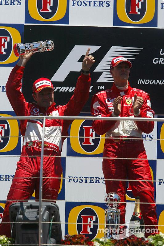 Podium : le vainqueur Michael Schumacher et Rubens Barrichello